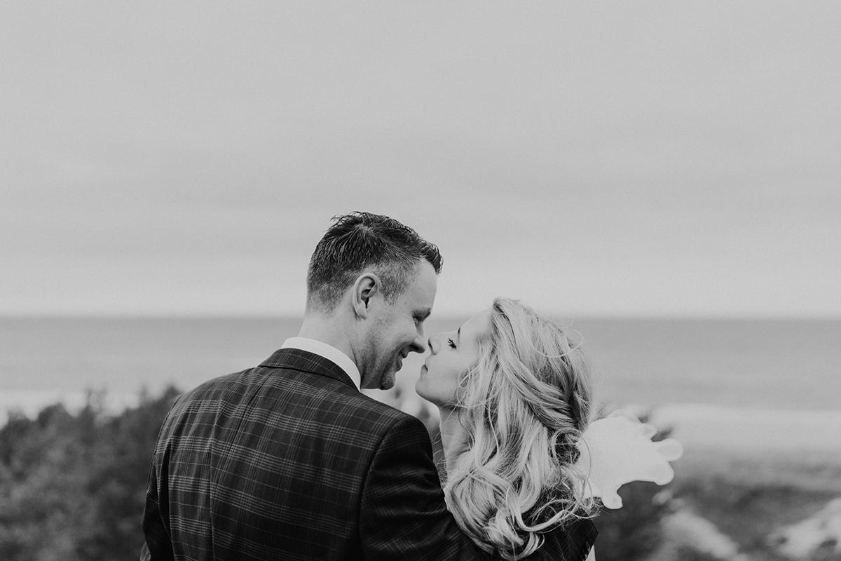 natürliche Hochzeitsfotografie Ostseehochzeit - standesamtliche Strandhochzeit - Hochzeitsfotografin an der Ostsee © www.hochzeitslicht.de #hochzeitslicht