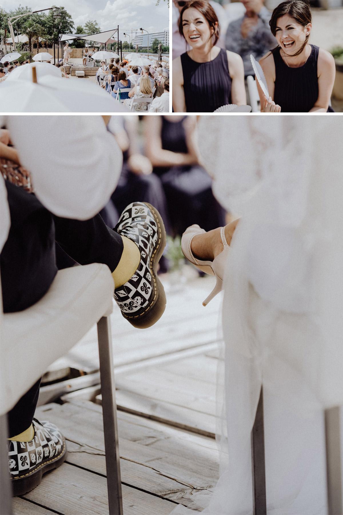 Hochzeitsreportage urbane Hochzeit Berlin - Hochzeitsfotograf in Hochzeitslocation mit Strand an der Spree im Sage Restaurant Berlin © www.hochzeitslicht.de #hochzeitslicht