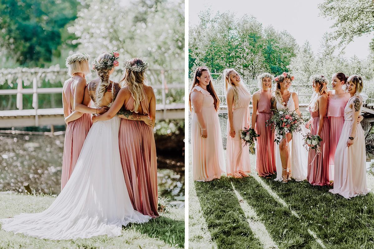 Idee Gruppenfoto Braut mit Brautjungfern - Standesamt Hochzeit am Wasser in Seelodge von Hochzeitsfotograf Brandenburg © www.hochzeitslicht.de #hochzeitslicht