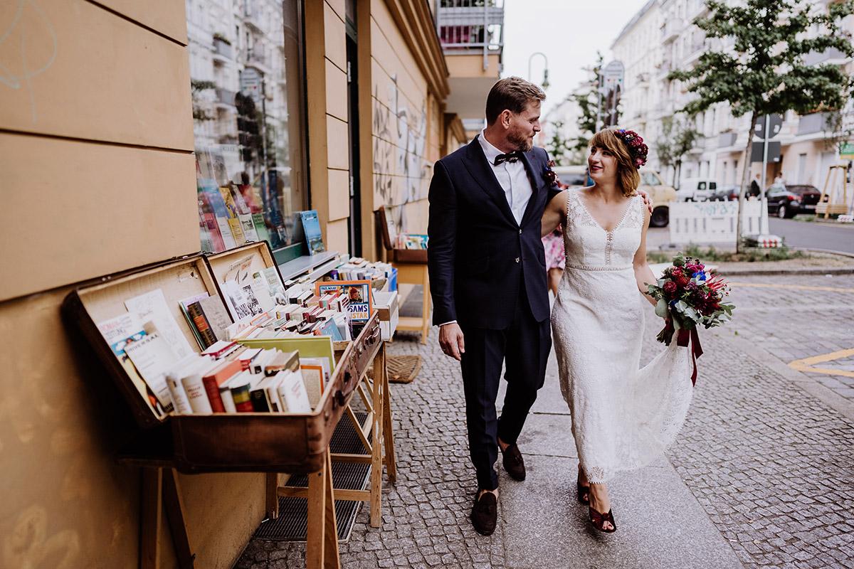 urbane Hochzeitsfotografie Berlin - Hochzeit Berlin Friedrichshain in Hochzeitslocation Old Smithy's Dizzle von Boho Hochzeitsfotograf © www.hochzeitslicht.de #hochzeitslicht
