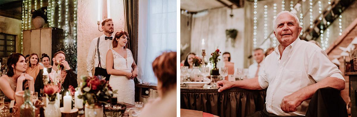 Hochzeitsreportage Hochzeitsfeier Reden Gäste - Hochzeit Berlin Friedrichshain in Hochzeitslocation Old Smithy's Dizzle von Boho Hochzeitsfotograf © www.hochzeitslicht.de #hochzeitslicht