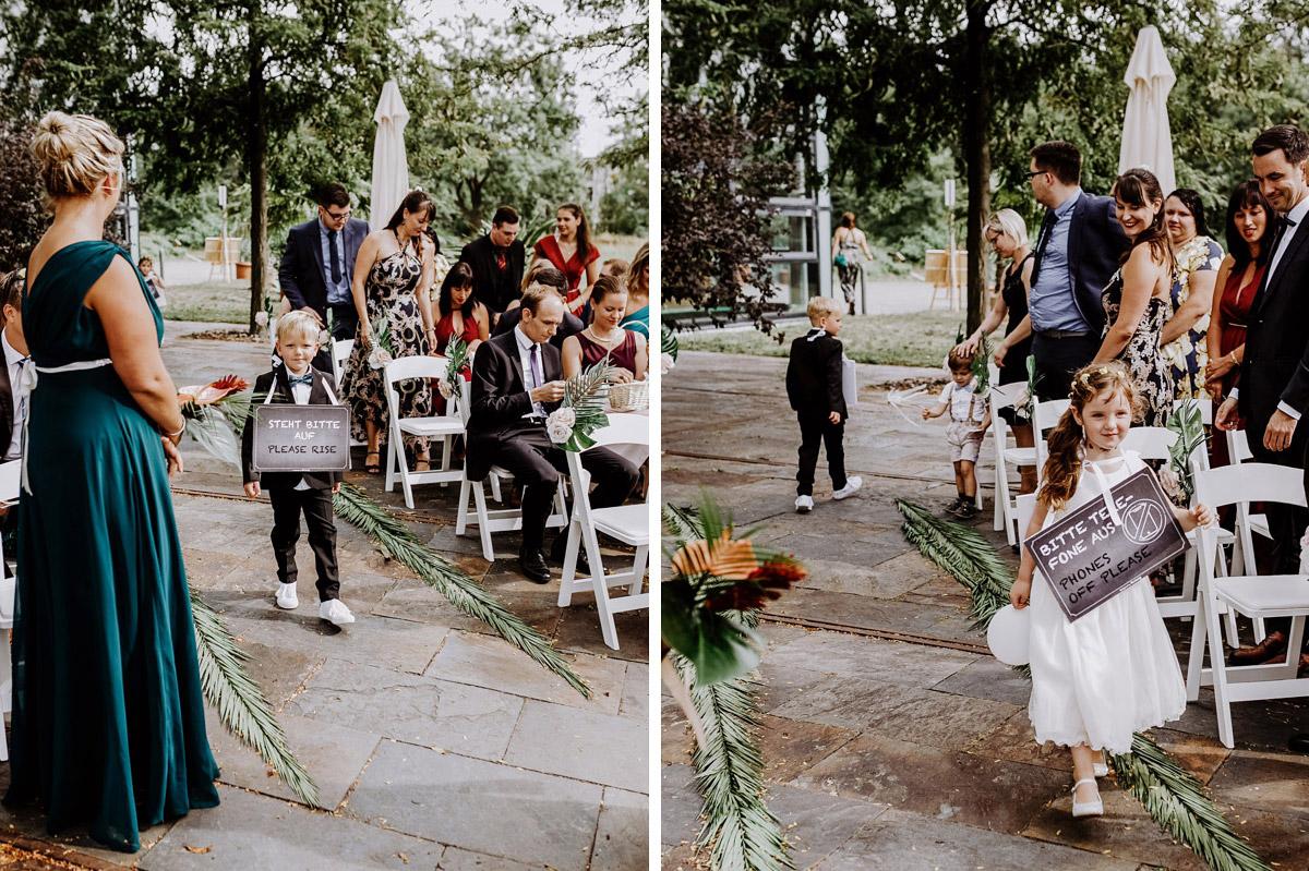 Tropical Wedding Mottohochzeit - Hochzeitsfotos tropische Hochzeit in der Biosphäre Potsdam von Hochzeitsfotograf Berlin © www.hochzeitslicht.de #hochzeitslicht