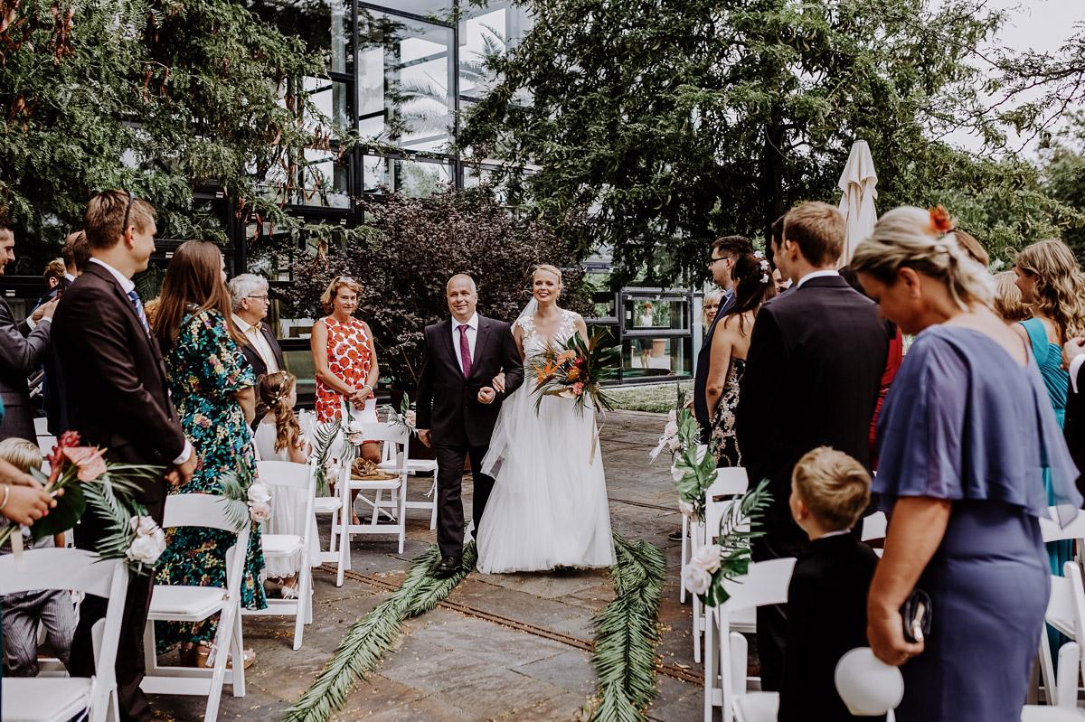 freie Trauung tropical Wedding - Hochzeitsfotos tropische Hochzeit in der Biosphäre Potsdam von Hochzeitsfotograf Berlin © www.hochzeitslicht.de #hochzeitslicht