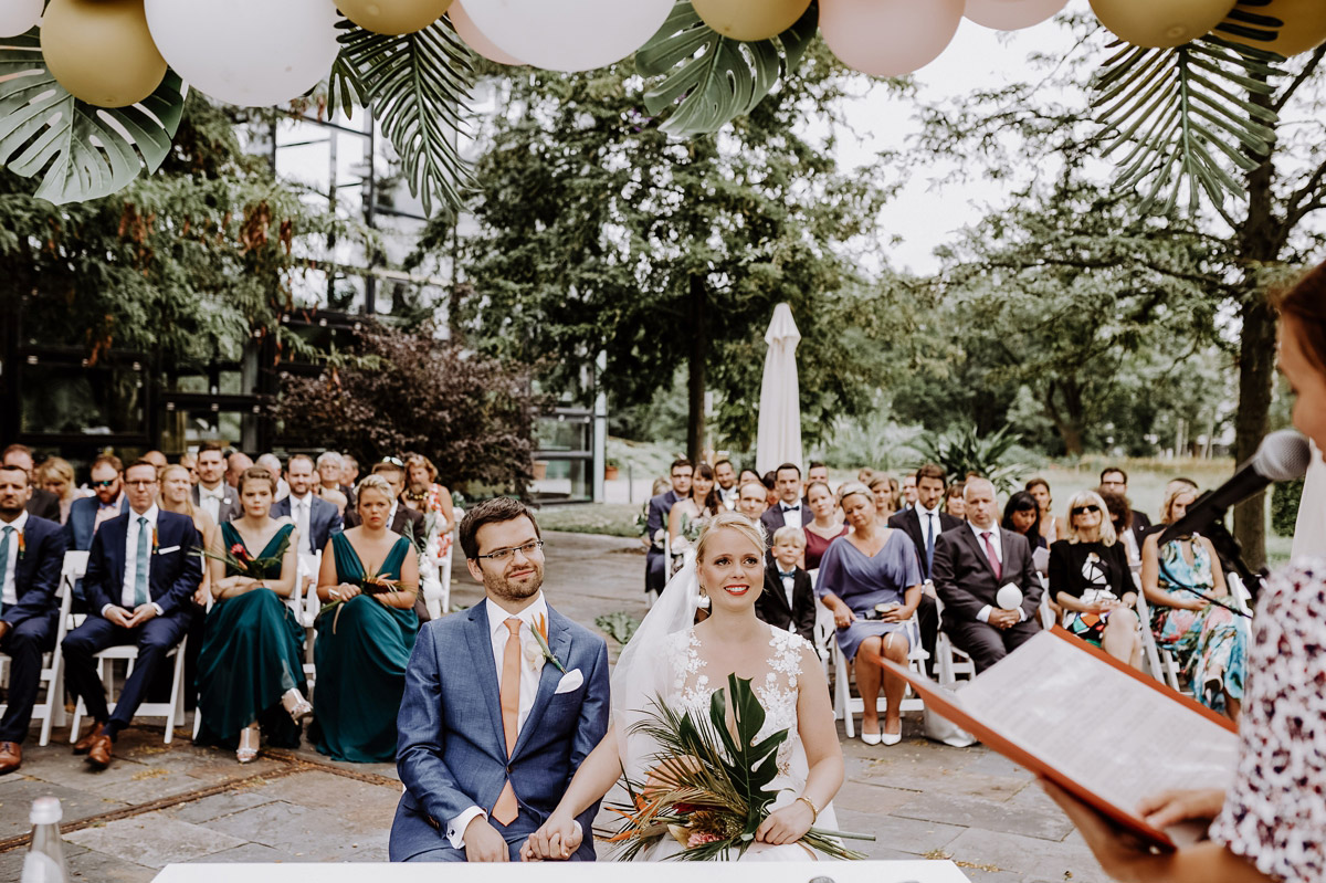 freie Trauung tropische Hochzeit - Hochzeitsfotos tropische Hochzeit in der Biosphäre Potsdam von Hochzeitsfotograf Berlin © www.hochzeitslicht.de #hochzeitslicht