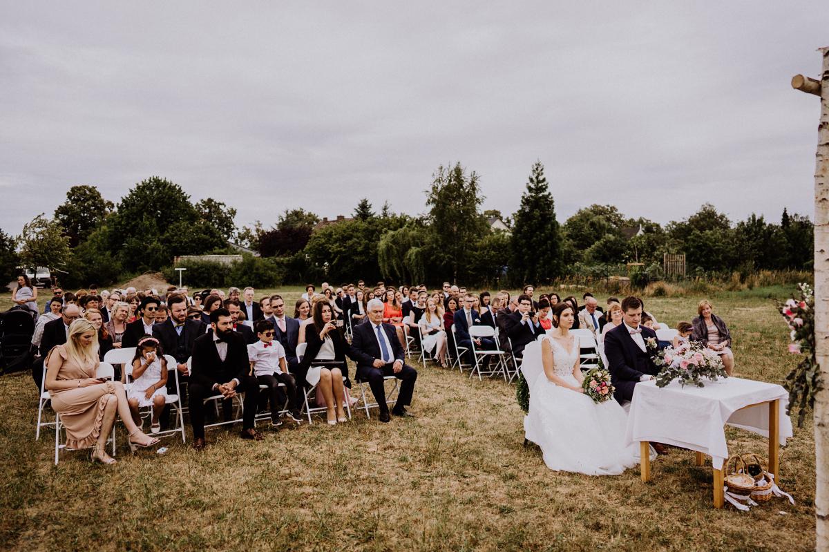 Hochzeitsfotografin Brandenburg freie Trauung - Scheunenhochzeit in Brandenburg - freie Trauung Kulturscheune Thyrow von Hochzeitsfotograf Berlin © www.hochzeitslicht.de #hochzeitslicht