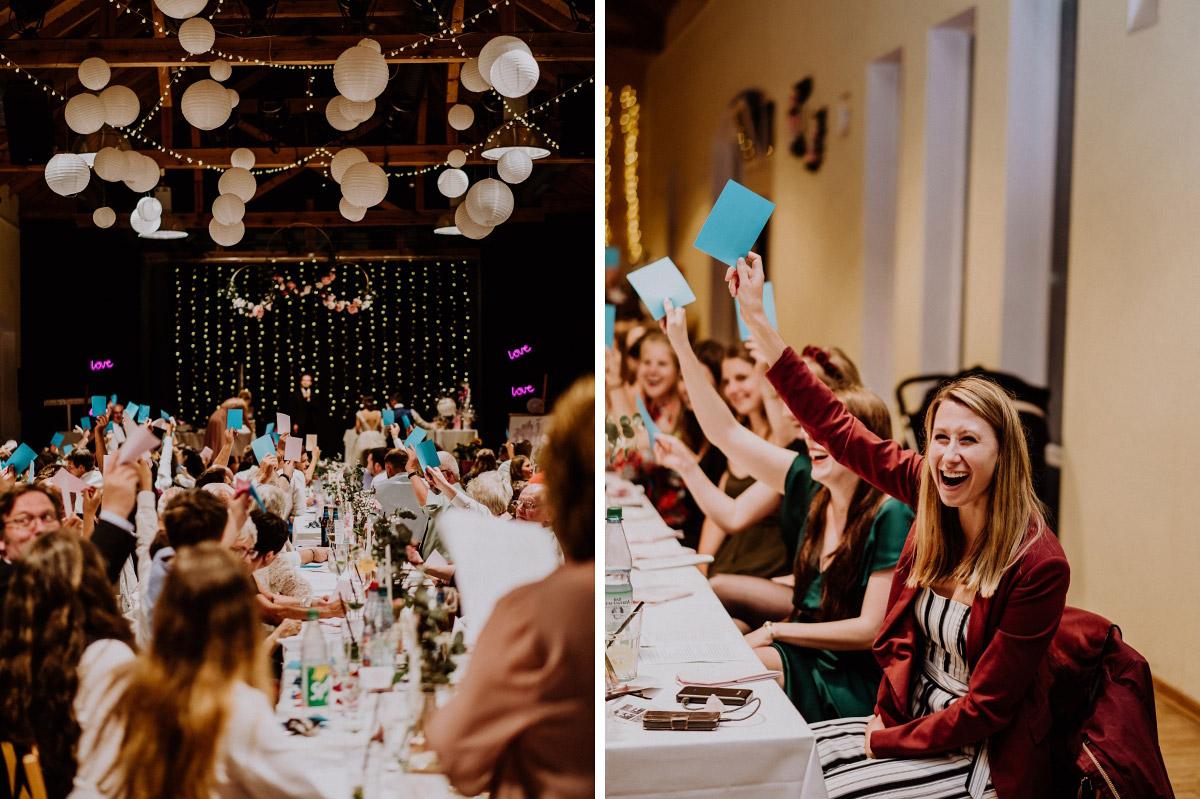 Ideen Unterhaltung Gäste DIY Hochzeit - Scheunenhochzeit in Brandenburg - freie Trauung Kulturscheune Thyrow von Hochzeitsfotograf Berlin © www.hochzeitslicht.de #hochzeitslicht