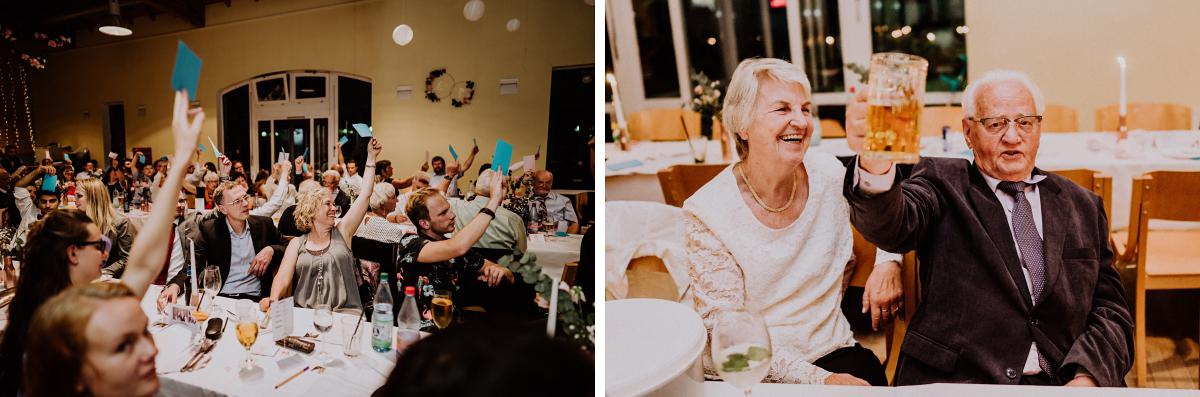 Hochzeitsspiele Ideen - Scheunenhochzeit in Brandenburg - freie Trauung Kulturscheune Thyrow von Hochzeitsfotograf Berlin © www.hochzeitslicht.de #hochzeitslicht