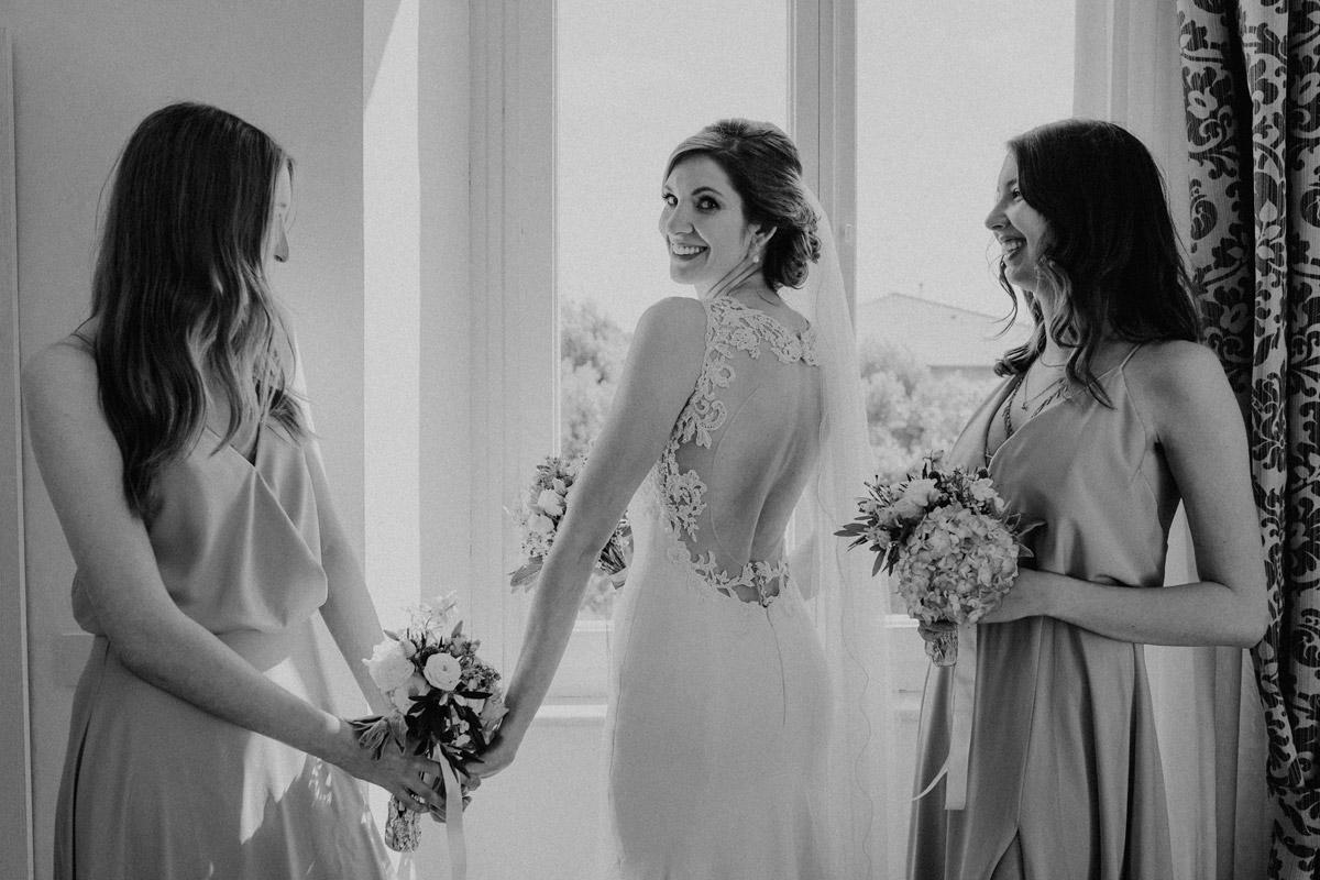 Idee Foto Braut Getting Ready - Italien Hochzeit mit Hochzeitplanerin aus Berlin #hochzeitslicht Toskana Hochzeitsfotos und Hochzeitsfilm © www.hochzeitslicht.de