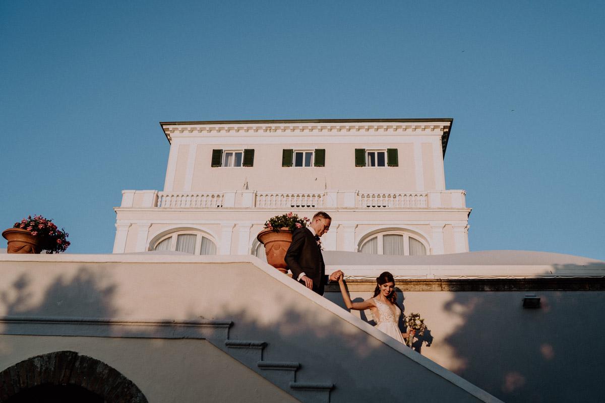 Fotoshooting Brautpaar mediterrane Hochzeit - Italien Hochzeit mit Hochzeitplanerin aus Berlin #hochzeitslicht Toskana Hochzeitsfotos und Hochzeitsfilm © www.hochzeitslicht.de