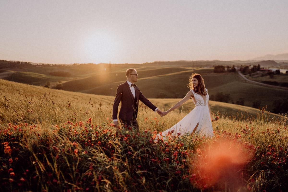 Fotoshooting Brautpaar Idee - Italien Hochzeit mit Hochzeitplanerin aus Berlin #hochzeitslicht Toskana Hochzeitsfotos und Hochzeitsfilm © www.hochzeitslicht.de