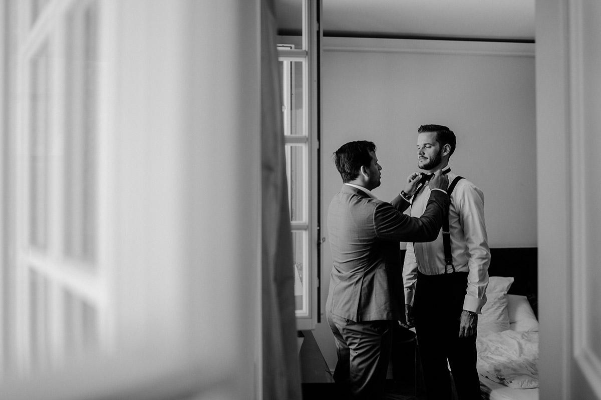Hochzeitsreportage deutsch koreanische Hochzeit mit freier Trauung auf Schloss Kartzow von vintage Hochzeitsfotografin aus Berlin #hochzeitslicht © www.hochzeitslicht.de