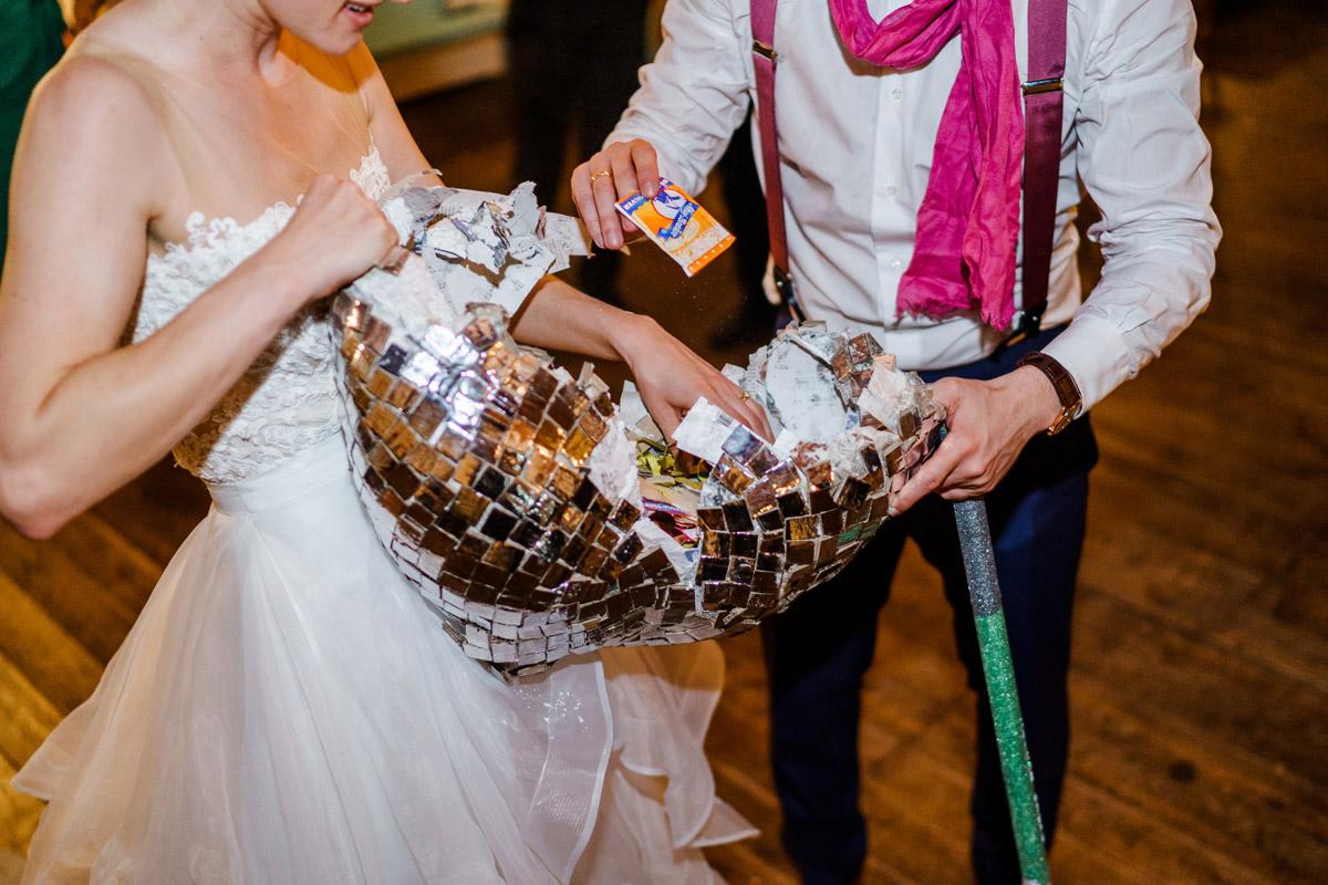 vintage Hochzeit in Berlin - so schön kann Heiraten mit freier Trauung nach dem Standesamt in der Hochzeitslocation Von Greifswald sein - Hochzeitsfotos von #hochzeitslicht © www.hochzeitslicht.de