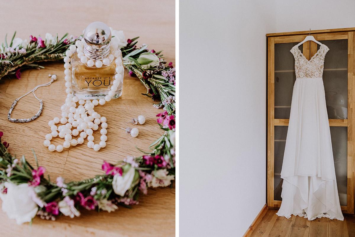 Idee Hochzeitsfoto Getting Ready Braut - vintage Hochzeit in Scheune mit Garten in Brandenburg Ferienscheune Barnimer Feldmark von Hochzeitsfotograf aus Berlin #hochzeitslicht © www.hochzeitslicht.de