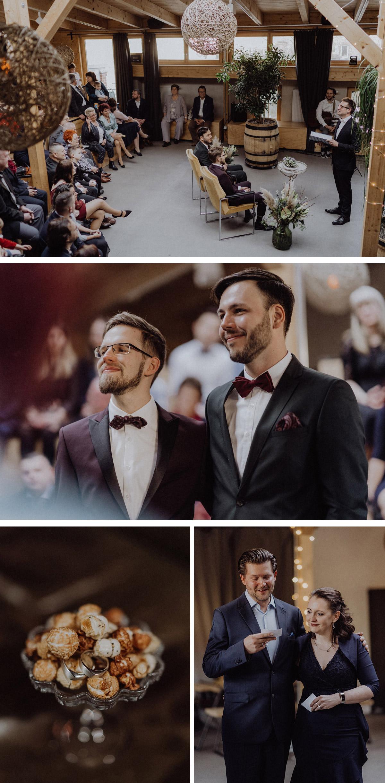 gleichgeschlechtliche Hochzeit: homosexuelle, schwule Männer heiraten in freier Trauung nach Standesamt in Hochzeitslocation Alte Schmiede bzw. Old Smithy's Dizzle in Berlin Friedrichshain; während der Trauzeremonie wird Popcorn gereicht auf dem silberne Eheringe liegen; Hochzeitsfotos von Hochzeitsfotograf © www.hochzeitslicht.de #hochzeitslicht #gaywedding #grooms #samesex #marriage #homoehe