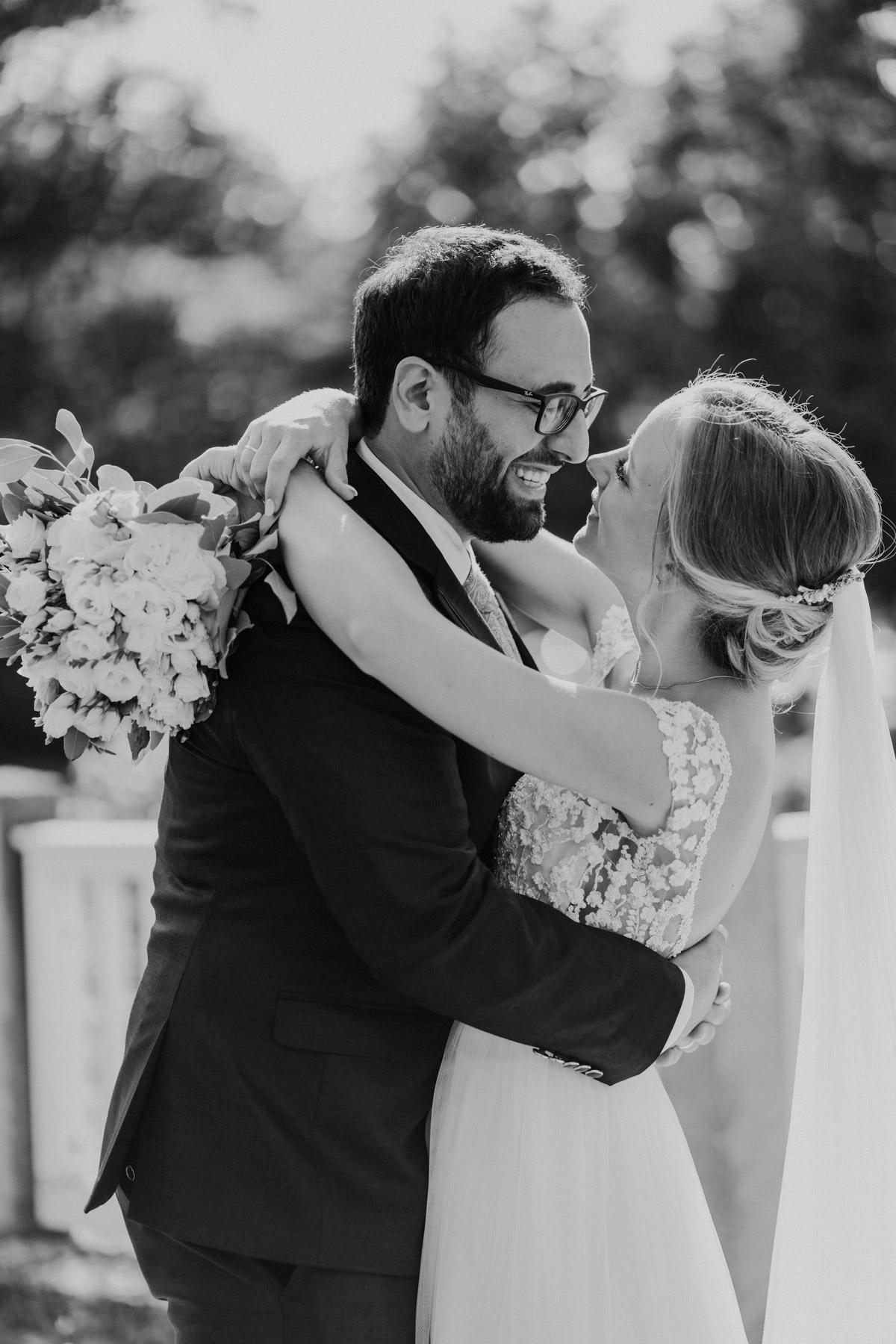 Brautpaarshooting Ideen Hochzeitsfotos Hochzeitspaar Fotos #Hochzeitsfotos aus Berlin © www.hochzeitslicht.de #hochzeitslicht #Brautpaarbilder #Hochzeitsshooting