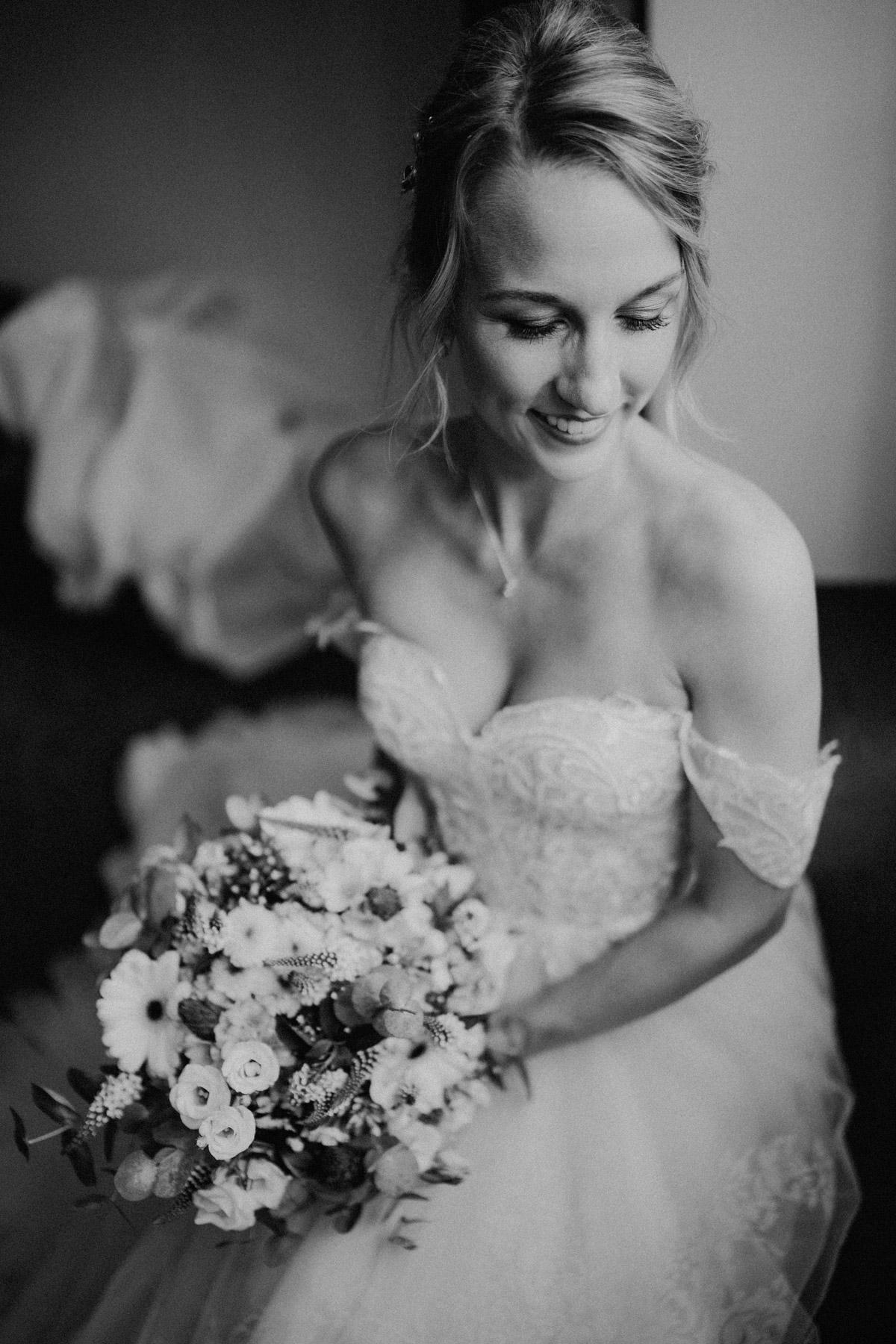 Hochzeit Shooting Idee Real Bride natürliches Braut Make up von vintage Hochzeitsfotograf Berlin © www.hochzeitslicht.de #hochzeitslicht #braut #hochzeitsshooting #ideen #hochzeitsfoto