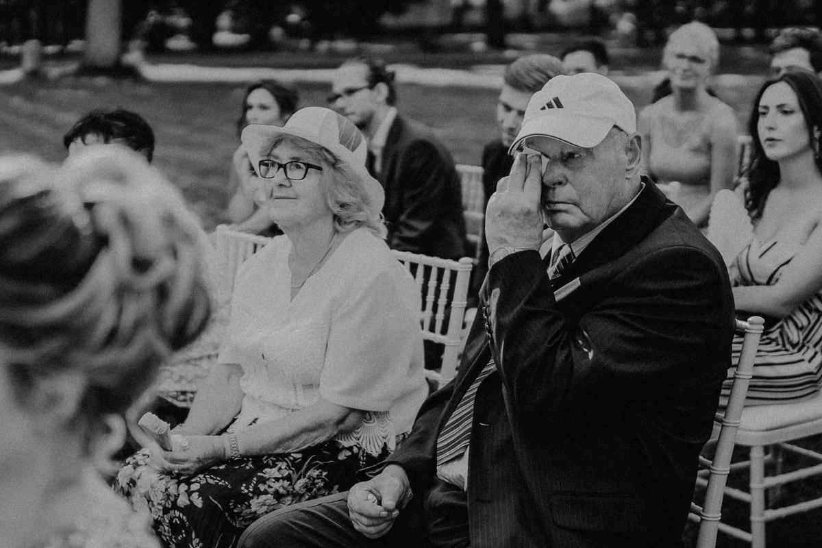 freie Trauung Schloss Kartzow Garten - Hochzeit Shooting Ideen von vintage Hochzeitsfotograf Berlin © www.hochzeitslicht.de #hochzeitslicht auf Schloss Kartzow