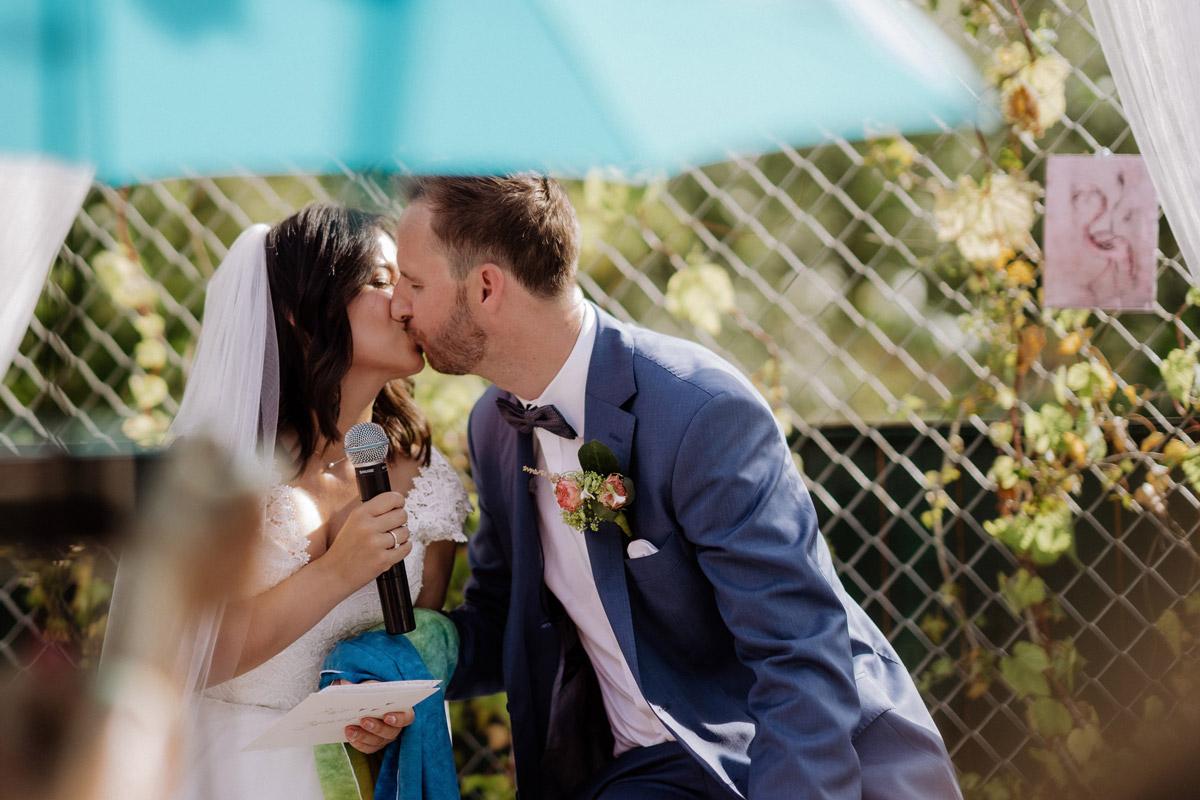 Sommerhochzeit Freie Trauung draußen - Corona Hochzeit im von Greifswald von Hochzeitsfotograf und Hochzeitsvideograf Berlin © www.hochzeitslicht.de #hochzeitslicht