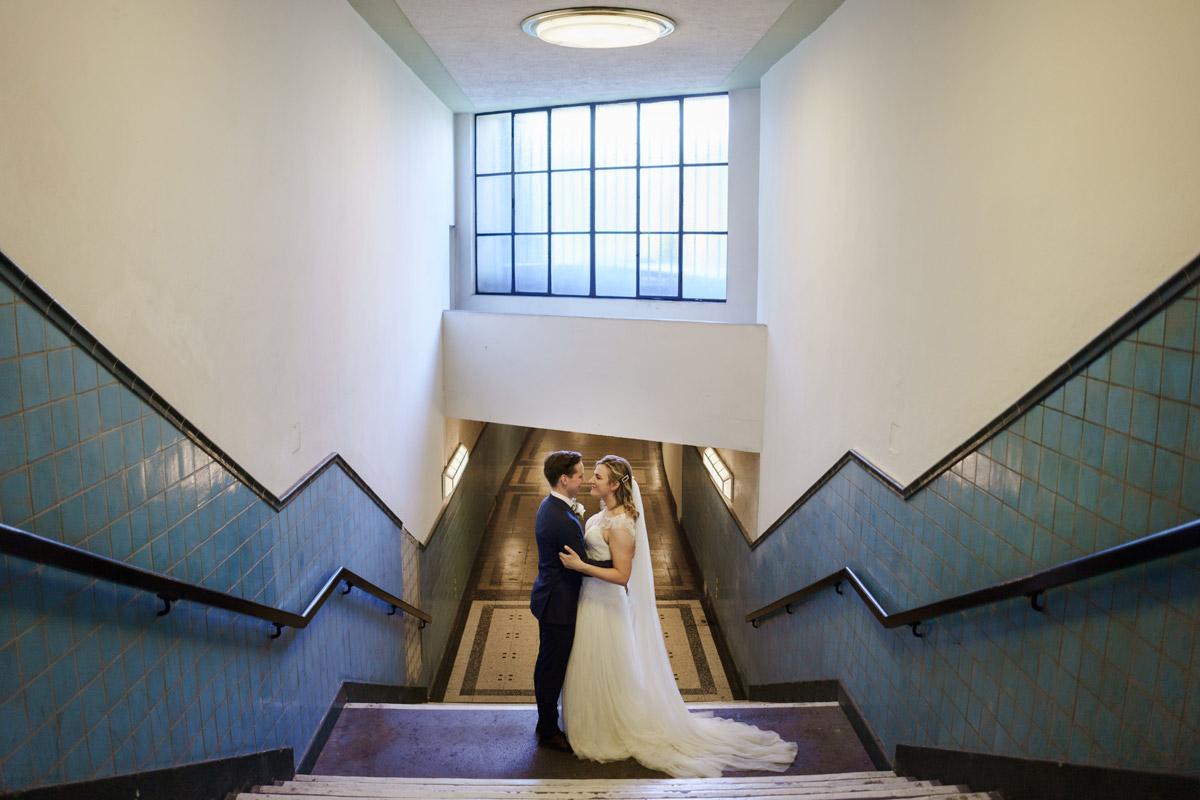 Hochzeitsfotografie Berlin künstlerisch - Standesamtliche Trauung in Kirche und Hochzeit im Soho House Berlin von Hochzeitsfotografin © www.hochzeitslicht.de #hochzeitslicht