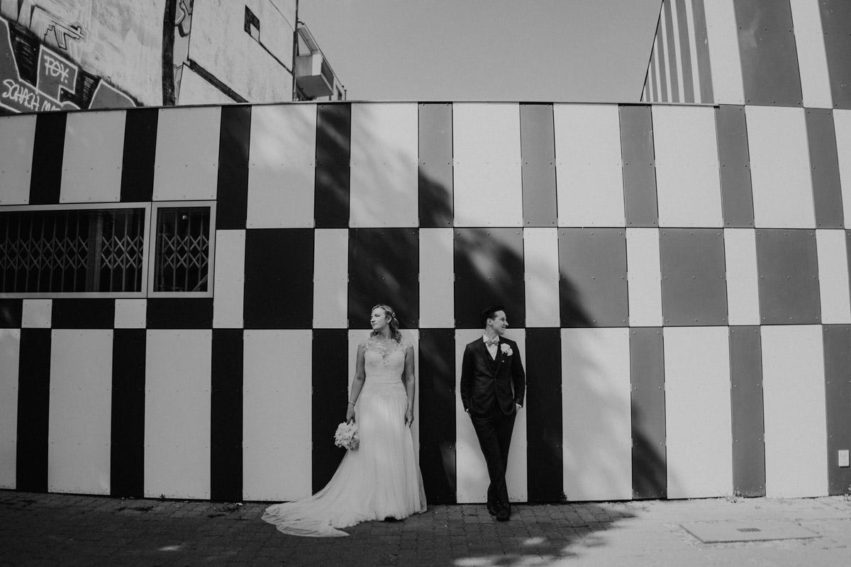 künstlerische Hochzeitsfotografie Berlin - Standesamtliche Trauung in Kirche und Hochzeit im Soho House Berlin von Hochzeitsfotografin © www.hochzeitslicht.de #hochzeitslicht