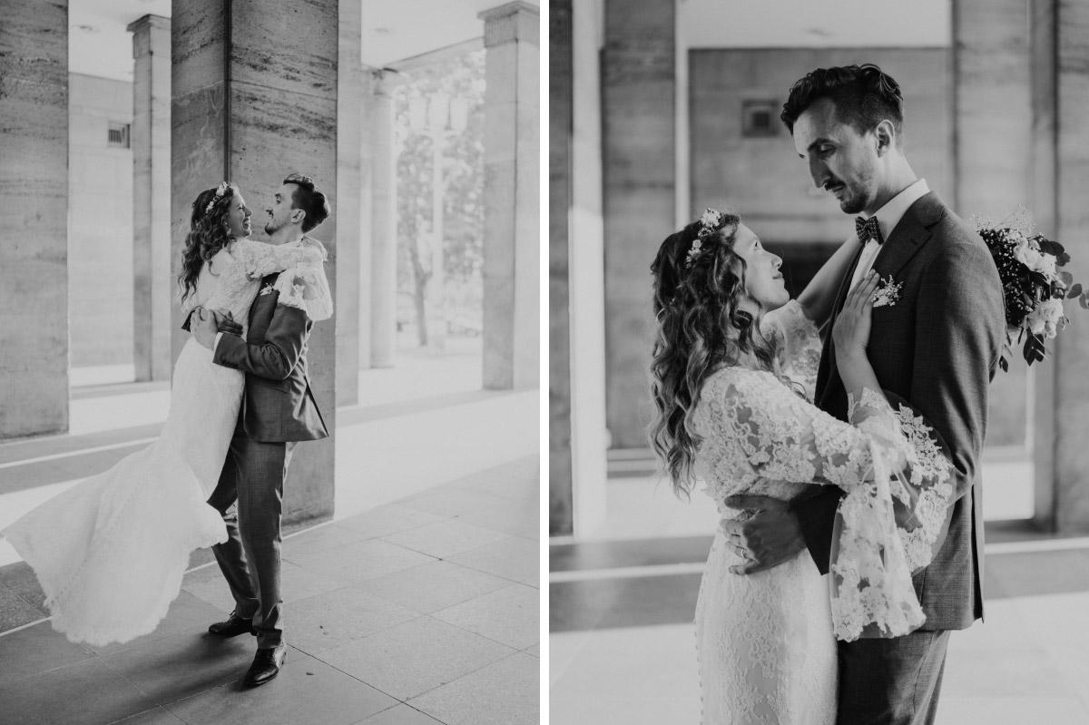 Ideen natürliche Hochzeitsfotos - Corona Hochzeit im Standesamt Berlin Gärten der Welt Chinesischer Garten - mehr im Blog von Hochzeitsfotografin Berlin © www.hochzeitslicht.de #hochzeitslicht