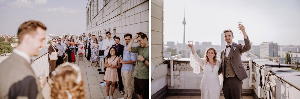 Corona Hochzeit im Standesamt Berlin Gärten der Welt Chinesischer Garten - mehr im Blog von Hochzeitsfotografin Berlin © www.hochzeitslicht.de #hochzeitslicht