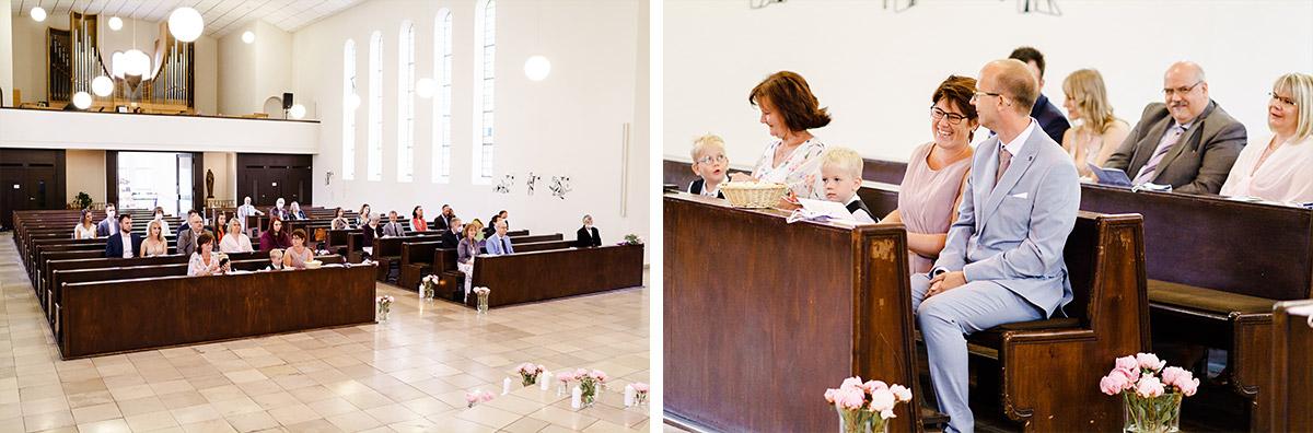 Hochzeitsfotos Gäste Trauung Kirche - Corona Hochzeit Berlin auf dem Wasser in Spree Hausboot von Hochzeitsfotograf Berlin © www.hochzeitslicht.de #hochzeitslicht