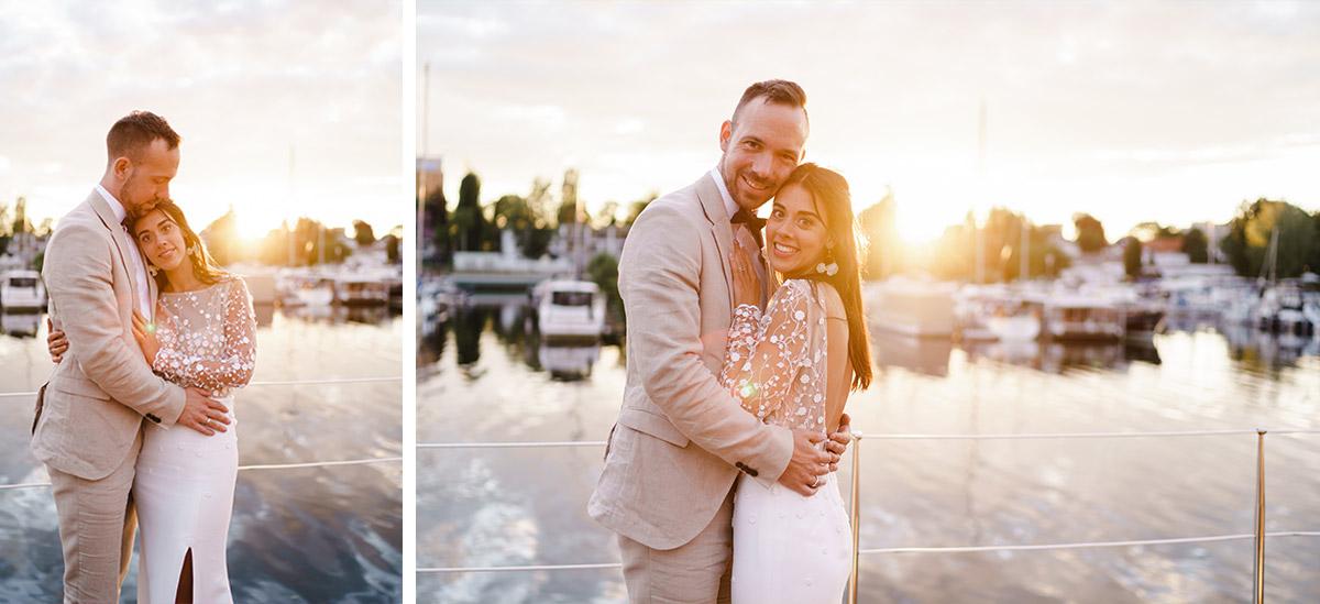 Idee Fotoshooting Sonnenuntergang Brautpaar - Corona Hochzeit Berlin auf dem Wasser in Spree Hausboot von Hochzeitsfotograf Berlin © www.hochzeitslicht.de #hochzeitslicht