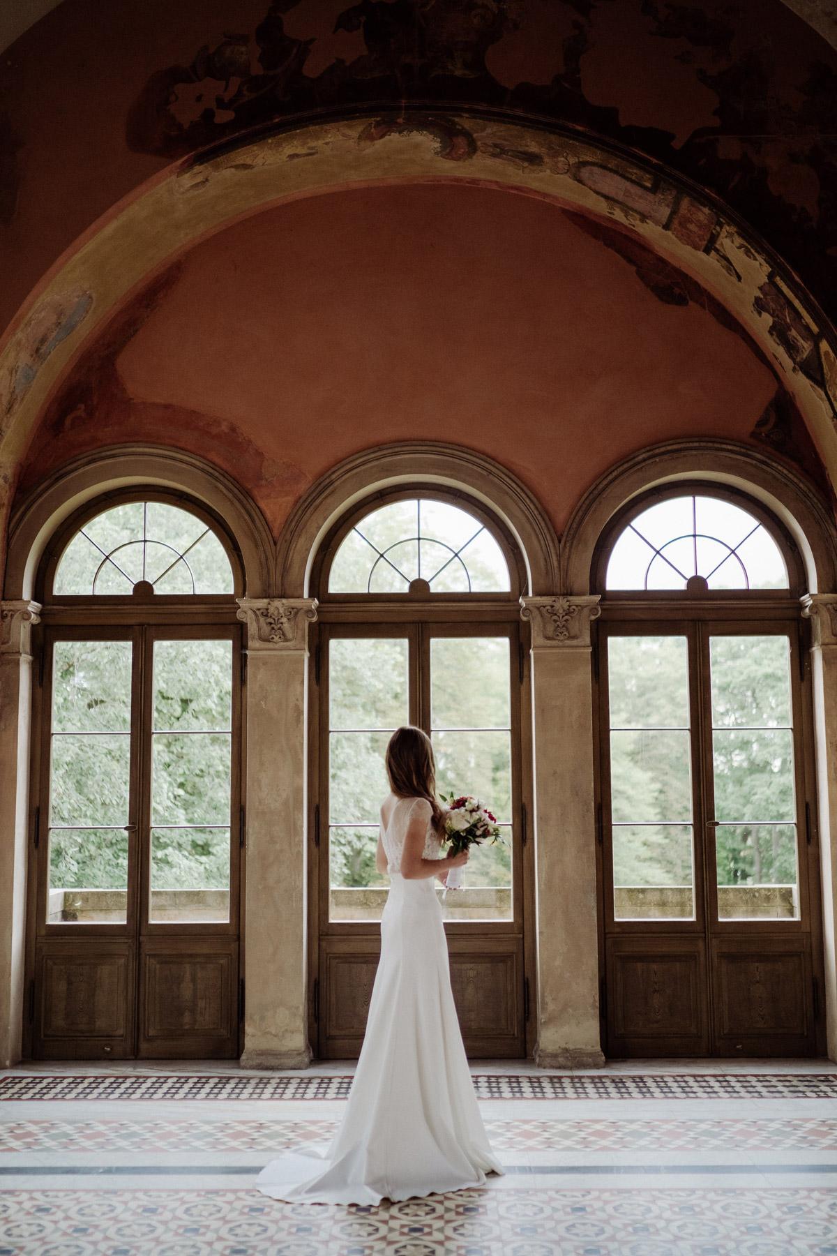 Hochzeitsfotos Tipps und Posen; Standesamt Potsdam Hochzeit im Schloss Belvedere auf dem Pfingstberg mit Tipps für natürliche Hochzeitspaarfotos von Hochzeitsfotograf Berlin © www.hochzeitslicht.de #hochzeitslicht