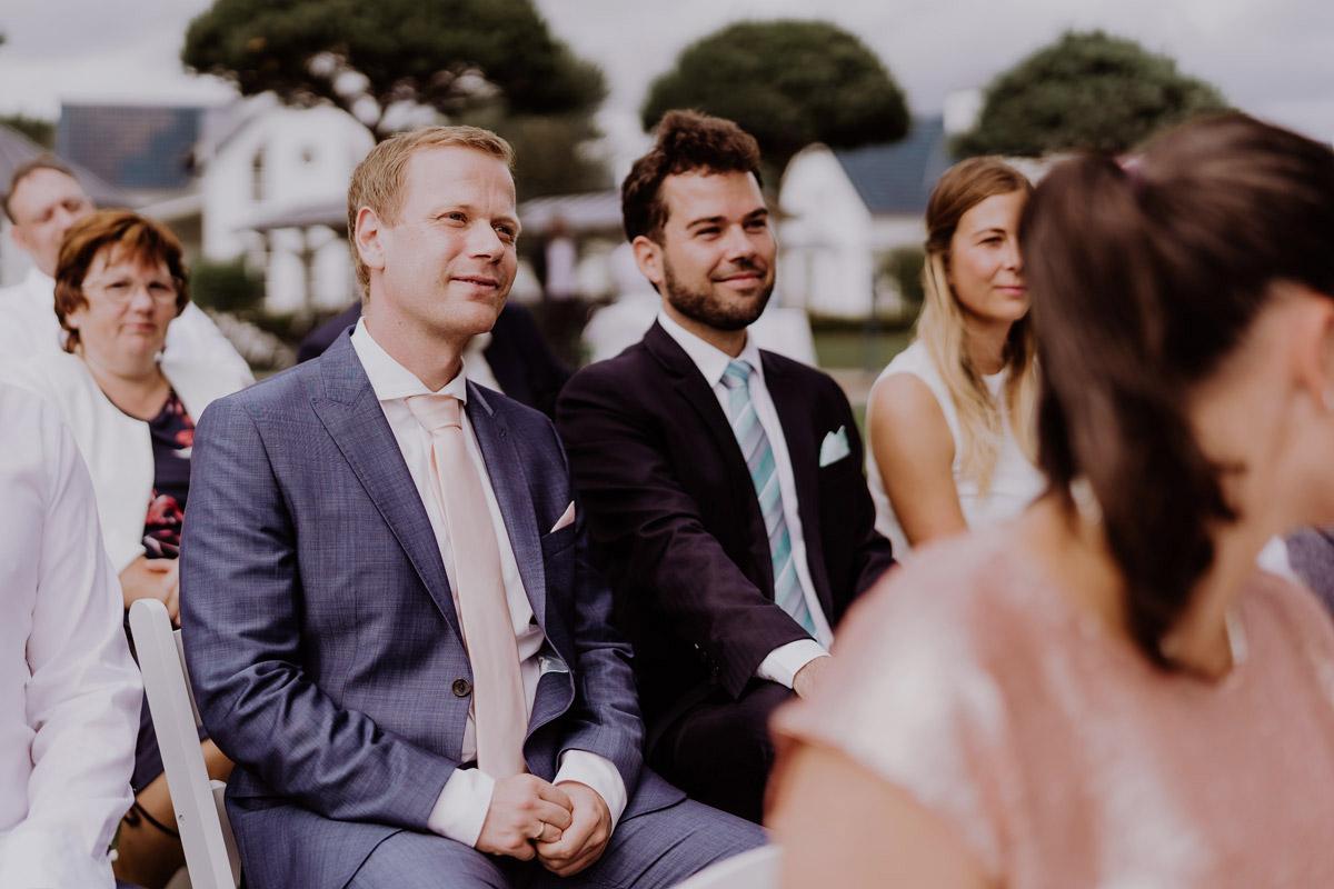 Hochzeitsbilder Gäste freie Trauung Resort Schwielowsee Hochzeit mit freier Trauung von Hochzeitsfotograf Potsdam © www.hochzeitslicht.de #hochzeitslicht