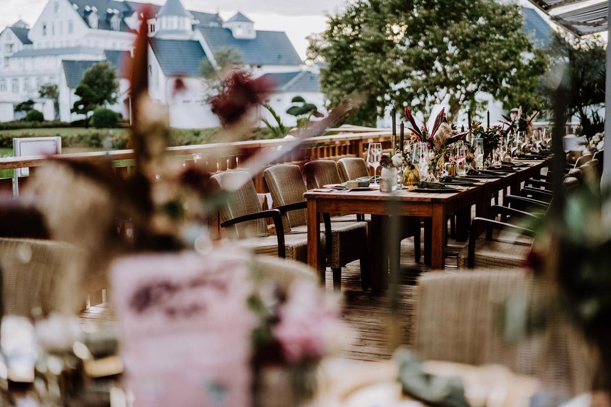 Hochzeitslocation am Wasser Potsdam - Resort Schwielowsee Hochzeit mit freier Trauung von Hochzeitsfotograf Potsdam © www.hochzeitslicht.de #hochzeitslicht