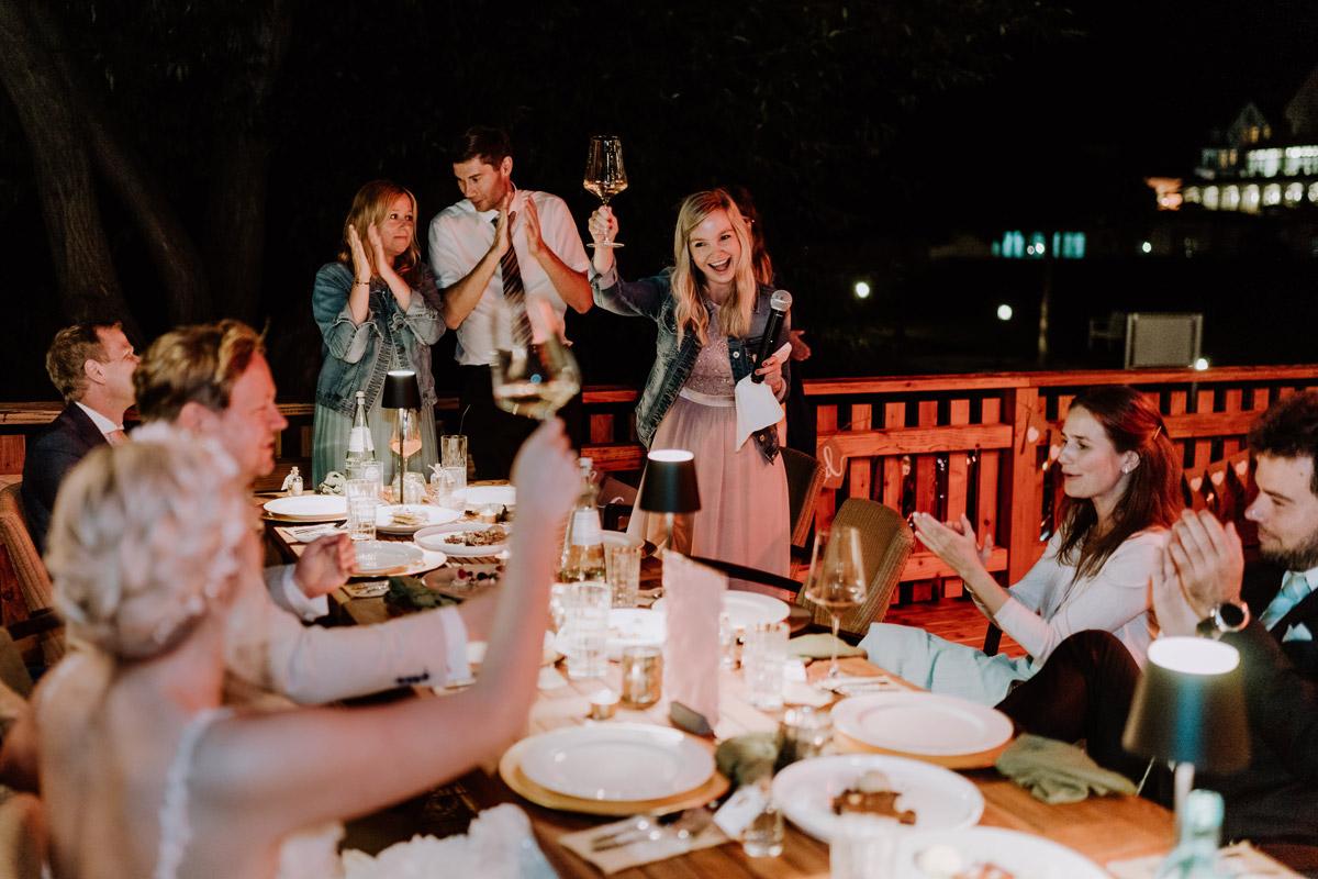 Am Wasser Hochzeit feiern - Resort Schwielowsee Hochzeit mit freier Trauung von Hochzeitsfotograf Potsdam © www.hochzeitslicht.de #hochzeitslicht