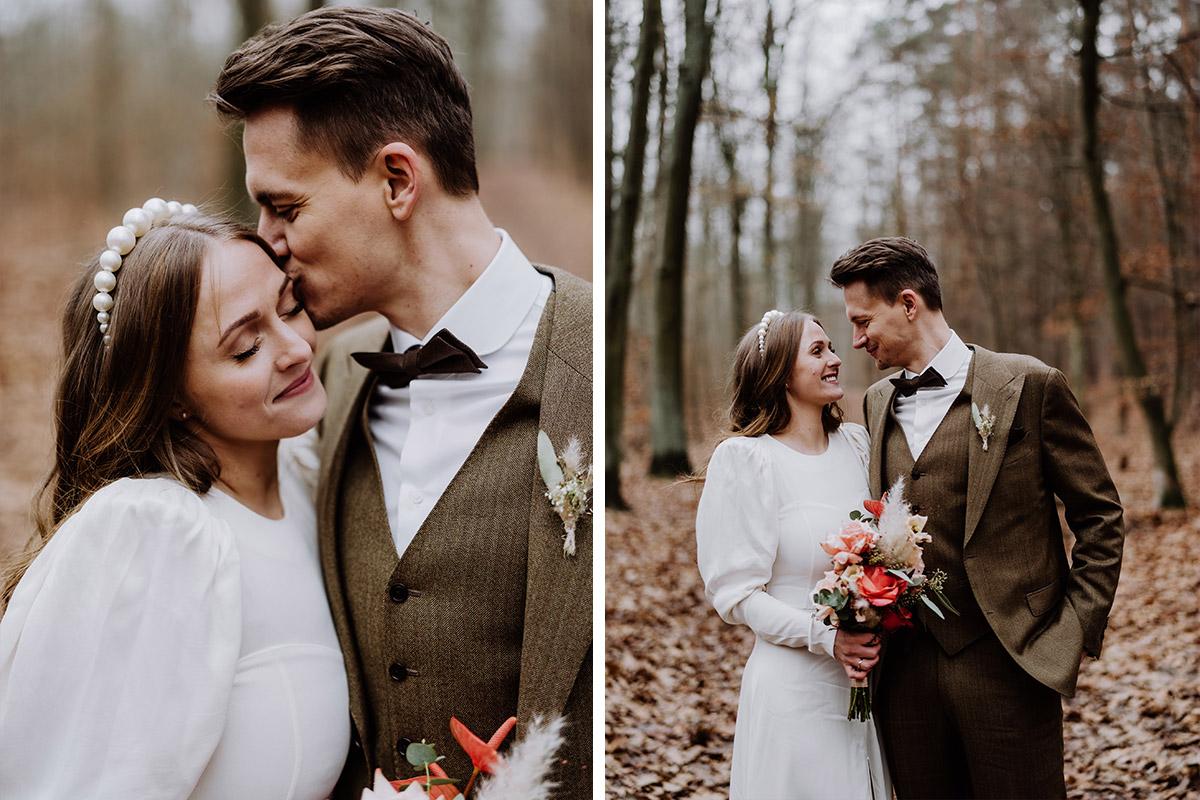 natürliche Hochzeitsfotos - Hochzeitsfotograf Standesamt Berlin im Rathaus Schmargendorf auf Winterhochzeit im Wald und urban in der Stadt © www.hochzeitslicht.de #hochzeitslicht