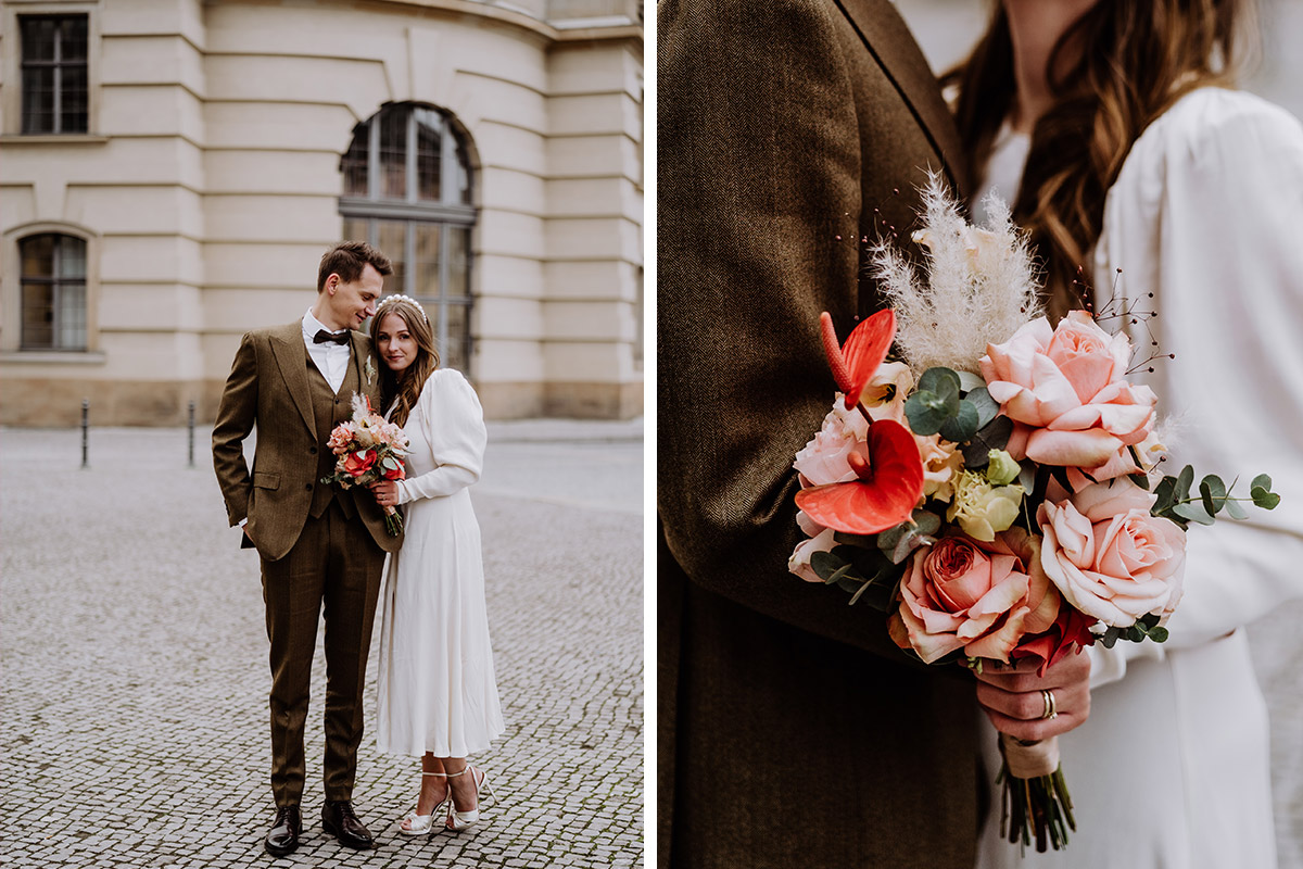 bunter Brautstrauß Standesamt - Hochzeitsfotograf Standesamt Berlin im Rathaus Schmargendorf auf Winterhochzeit im Wald und urban in der Stadt © www.hochzeitslicht.de #hochzeitslicht