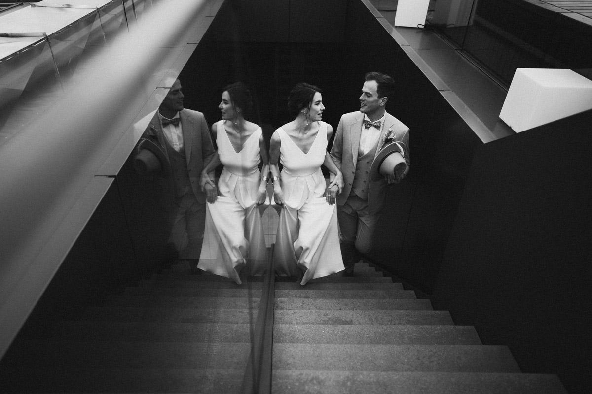 Skandi Hochzeit - schöne Hochzeitslocations in Berlin zu finden in der urbanen Elopement Hochzeitsreportage von Hochzeitsfotograf Berlin © www.hochzeitslicht.de #hochzeitslicht