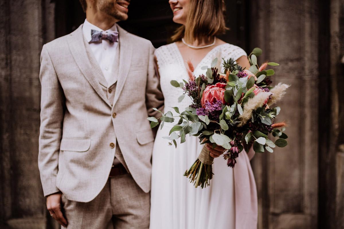 moderne Hochzeitsfotografie - Standesamt Hochzeitsfotograf Berlin im Rathaus Spandau und im Ballsaal Studio auf Hochzeit zu zweit im Winter © www.hochzeitslicht.de #hochzeitslicht