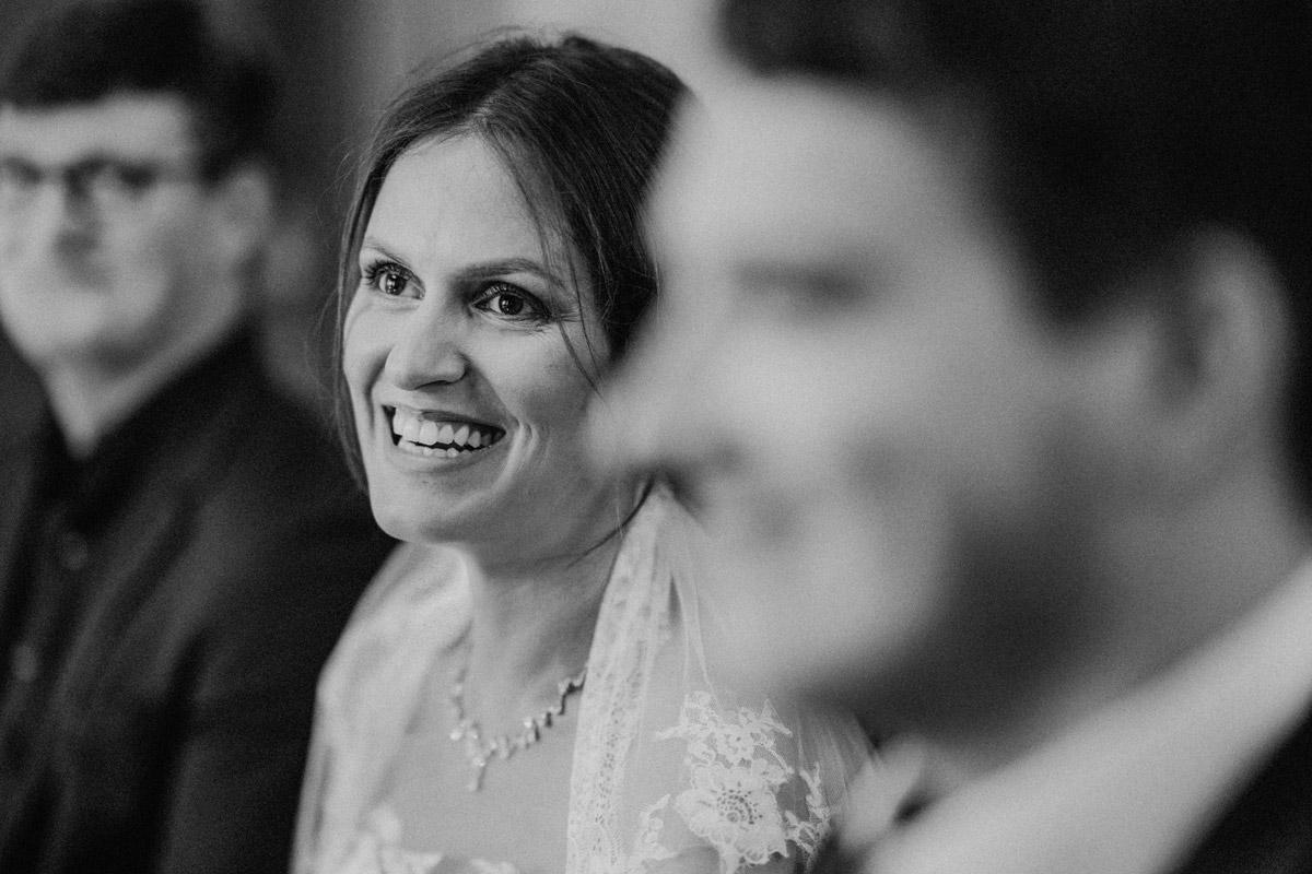 ungestellte Hochzeitsfotos Trauung Standesamt - Villa Kogge Standesamt Schmargendorf Hochzeit von Hochzeitsfotograf Berlin © www.hochzeitslicht.de #hochzeitslicht