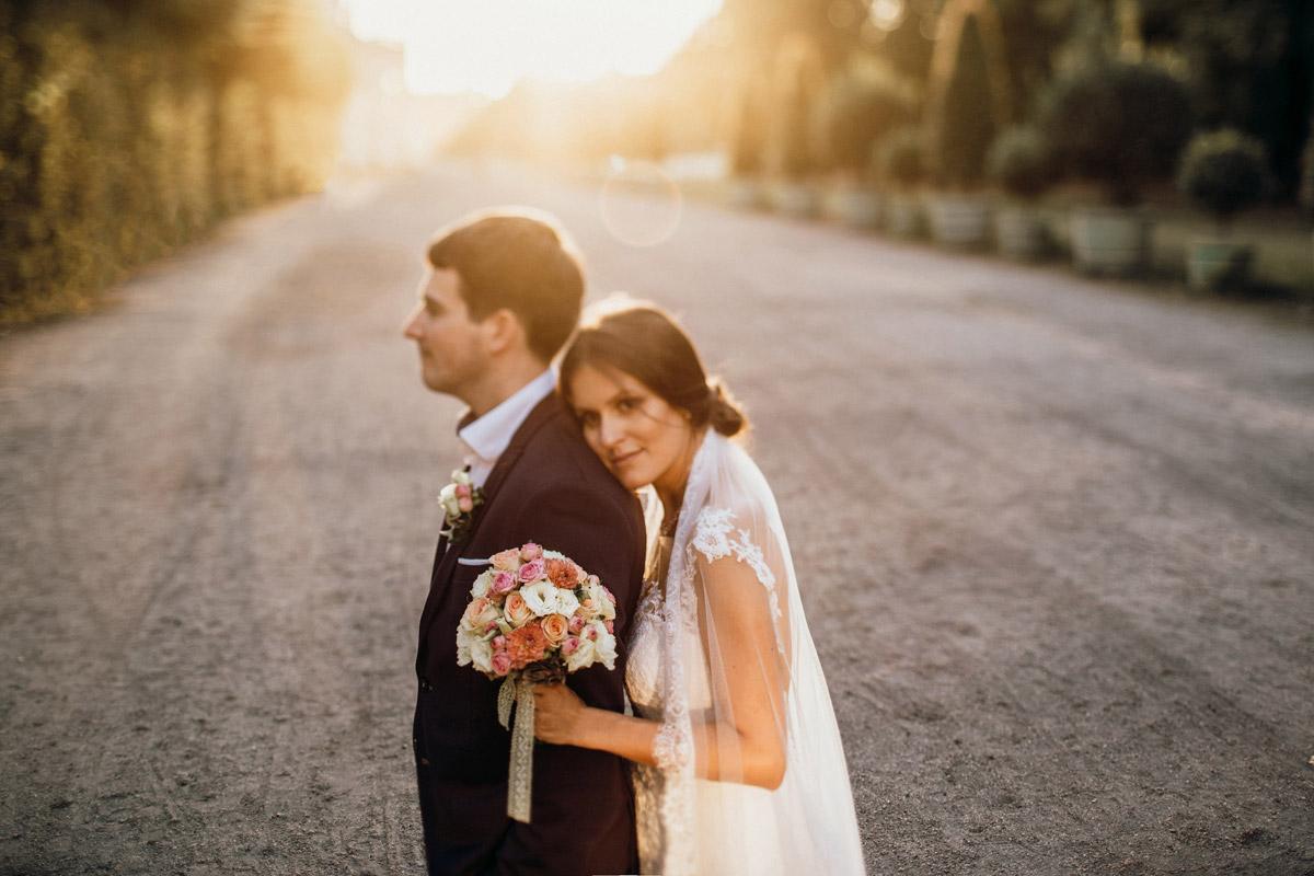 Idee Fotoshooting Sonnenuntergang nach Standesamt - Villa Kogge Standesamt Schmargendorf Hochzeit von Hochzeitsfotograf Berlin © www.hochzeitslicht.de #hochzeitslicht