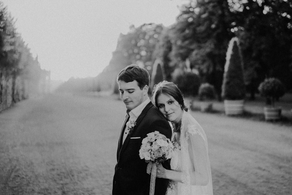 Fotoshooting Brautpaar - Villa Kogge Standesamt Schmargendorf Hochzeit von Hochzeitsfotograf Berlin © www.hochzeitslicht.de #hochzeitslicht