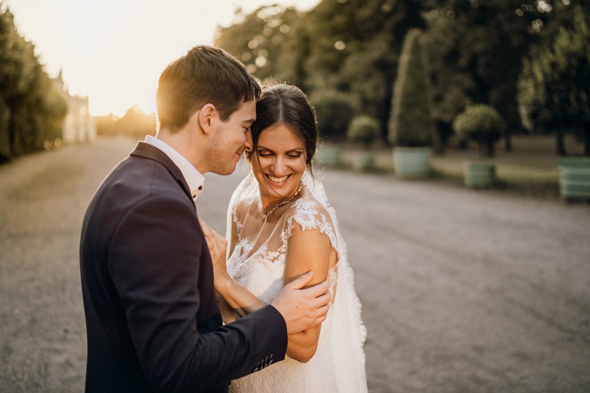 Hochzeitsfotos lachende Braut - Villa Kogge Standesamt Schmargendorf Hochzeit von Hochzeitsfotograf Berlin © www.hochzeitslicht.de #hochzeitslicht